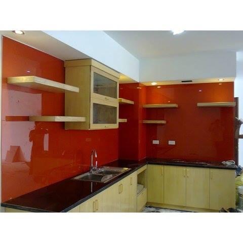 Kính bếp màu đỏ rubi đẹp