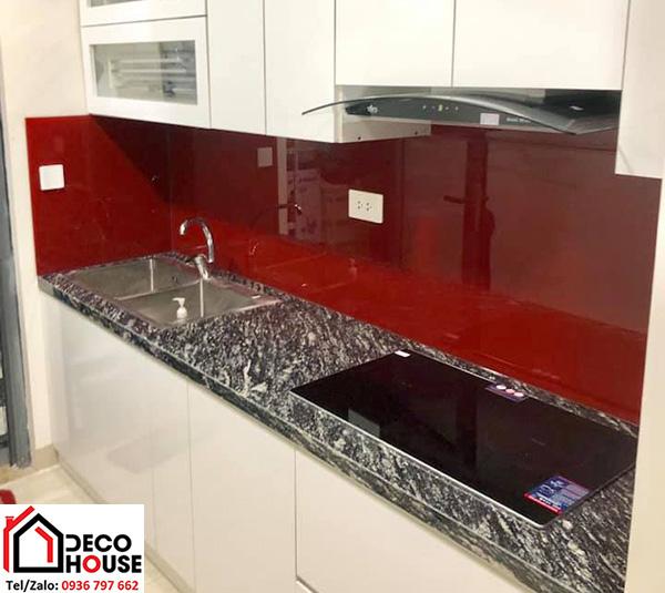 Kính bếp màu đỏ Ruby