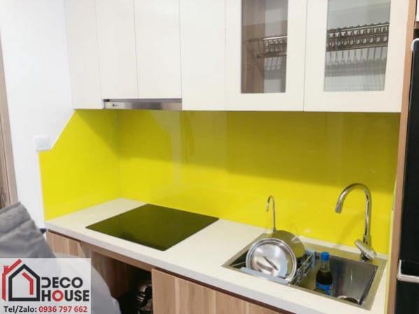 Kính bếp sơn màu vàng chanh