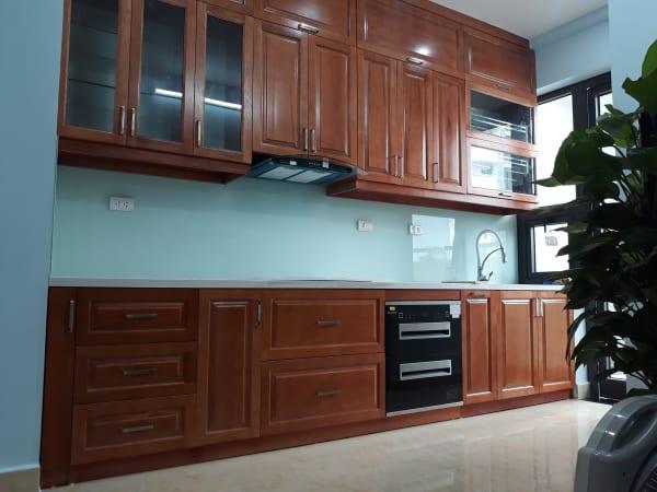 Kính ốp bếp màu trắng xanh