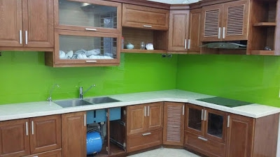 Kính bếp xanh non nõn chuối