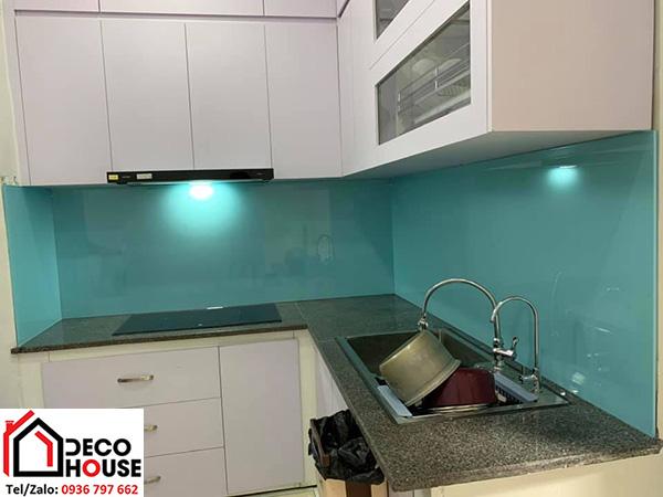 Lắp đặt kính bếp màu xanh ngọc tại Hà Nội