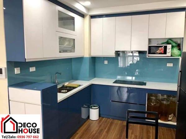 Mẫu kính bếp xanh lơ