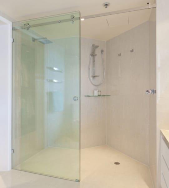 Vách kính tắm cửa trượt treo