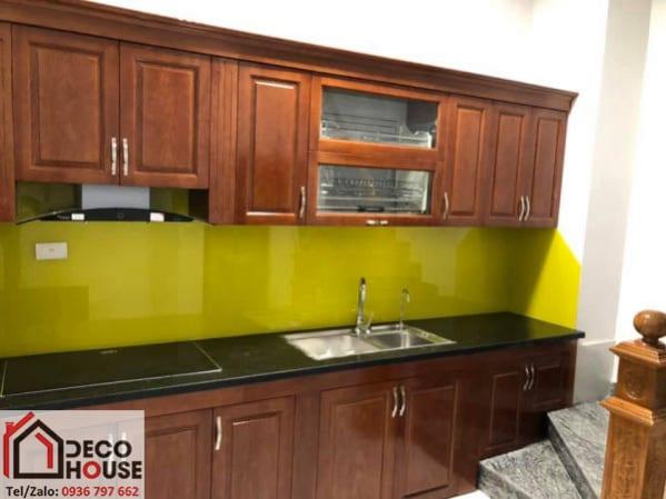 Thi công kính ốp bếp màu vàng chanh giá rẻ tại Hà Nội