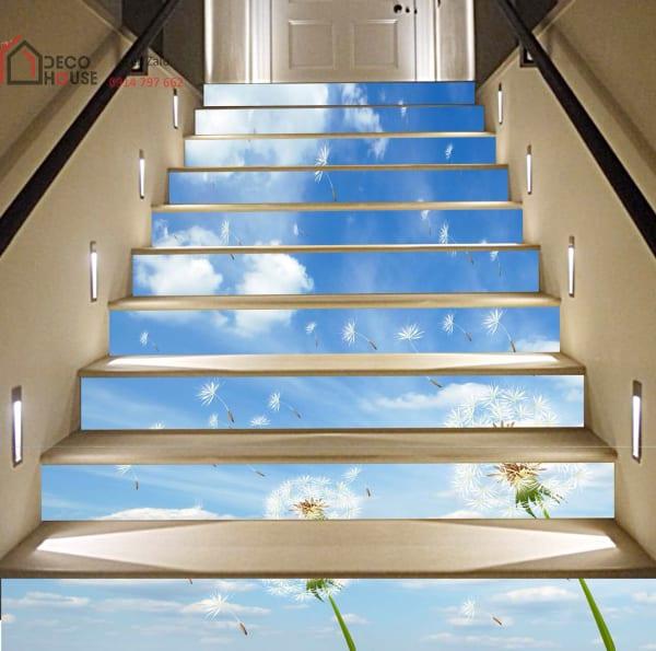 Mẫu tranh kính 3d cầu thang sáng, thoáng nhẹ nhàng