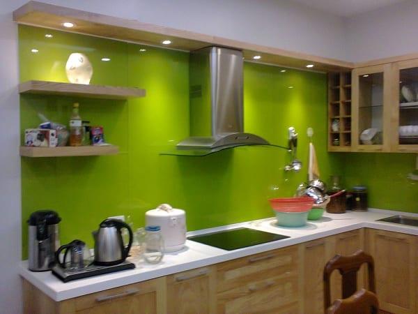 Kính sơn màu ốp bếp xanh non Hà Nội
