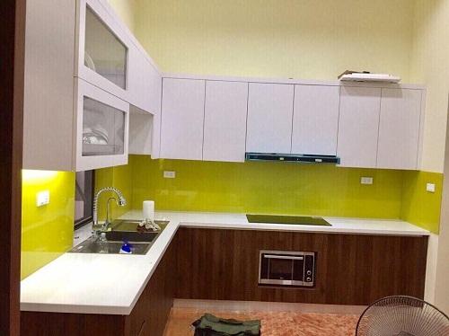 Kính bếp màu vàng chanh nhạt