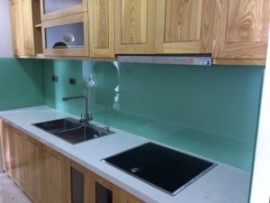 Kính màu ốp bếp Hải Long màu xanh ngọc