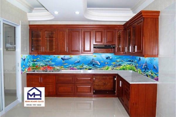Kính ốp bếp 3d hình biển