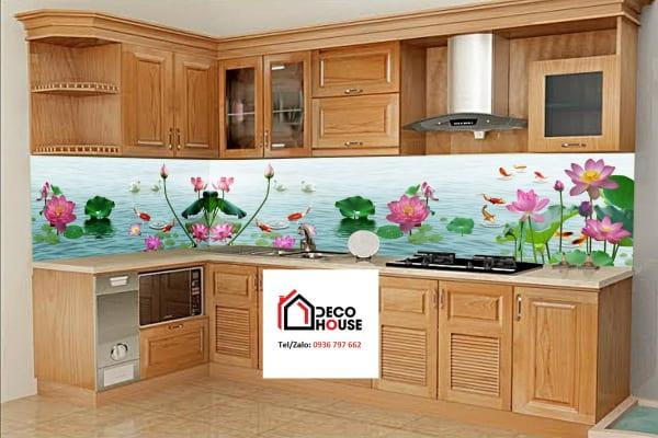 Mẫu tranh kính hoa sen, cá ốp bếp