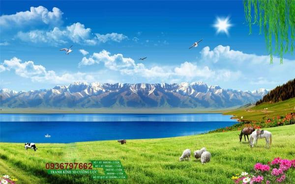 Tranh kính đồng cỏ con bò, con ngựa, con dê gặm cỏ