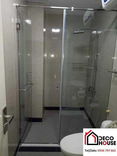 Mẫu phòng kính tắm cửa mở 90 độ