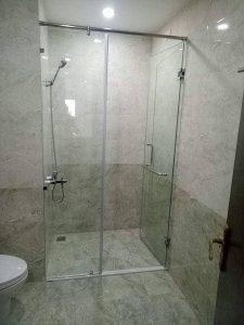 Chuyên thi công, lắp đặt vách kính tắm đẹp tại Hà Nội