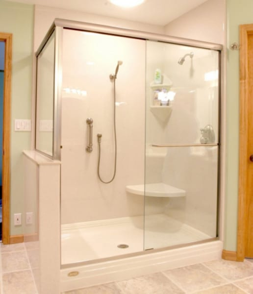 Thi công lắp vách kính tắm tại Đống Đa chất lượng, giá rẻ