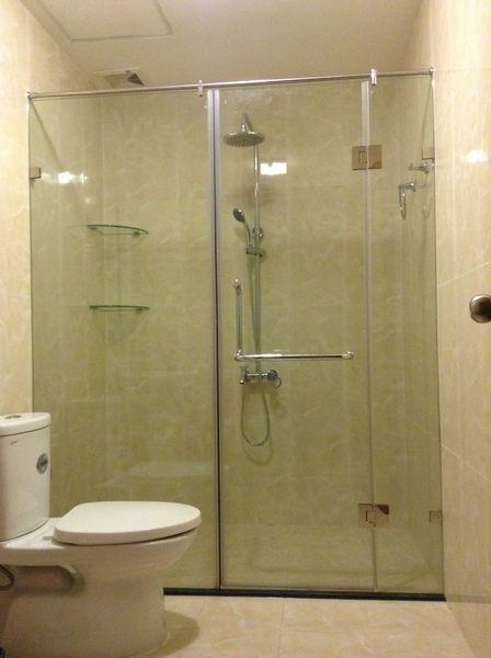 Giá lắp đặt phòng kính tắm tại Từ Liêm