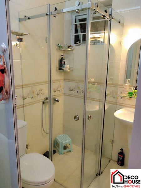 Cửa kính lùa phòng tắm 3 tấm