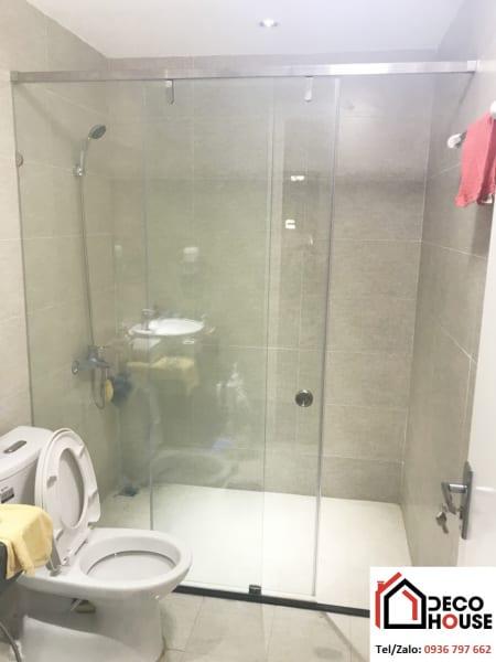 Mẫu phòng tắm kính cửa lùa đẹp