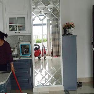 Gương đứng phòng bếp