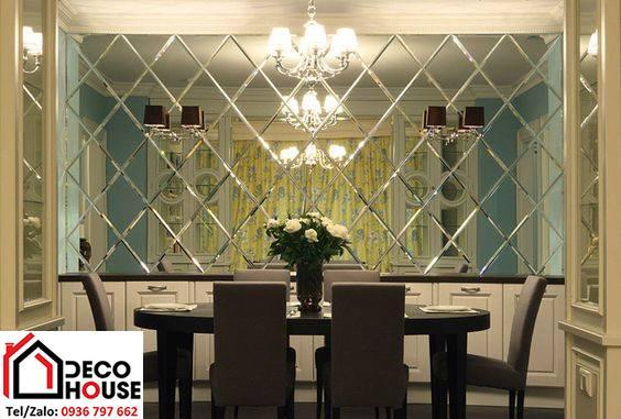 Gương trang trí ghép ô hình quả trám đẹp, ấn tượng cho nhà hàng
