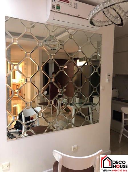 Gương ghép trang trí phòng bếp