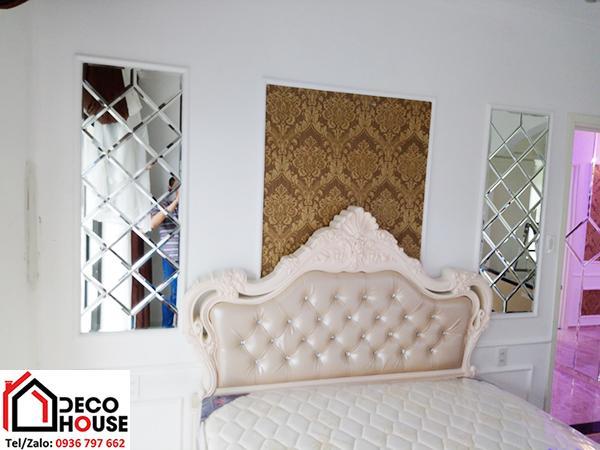Mẫu gương trang trí ghép ô hình quả trám cho phòng ngủ