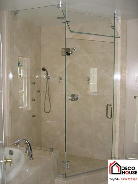 Phòng tắm kính kịch trần đẹp