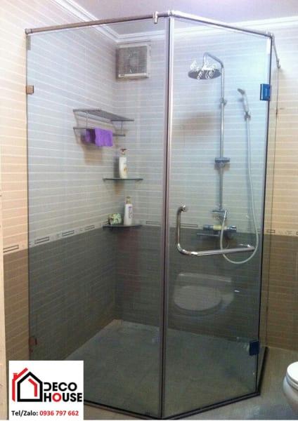 Thi công phòng tắm kính 135 độ Hà Nội