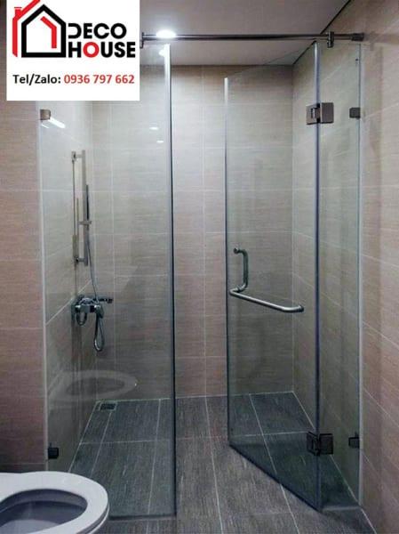 Kính phòng tắm cửa mở quay 90 độ