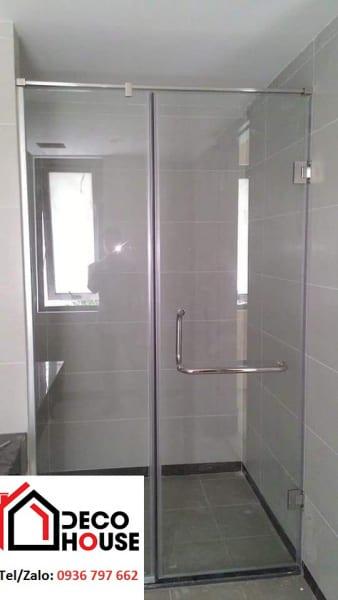 Mẫu vách kính phòng tắm nhỏ