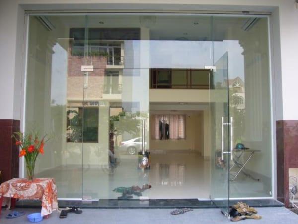 Cửa kính cường lực nhà ở tại Mai Dịch, Cầu Giấy, Hà Nội
