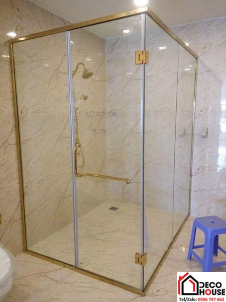 Mẫu vách kính phòng tắm phụ kiện mạ vàng