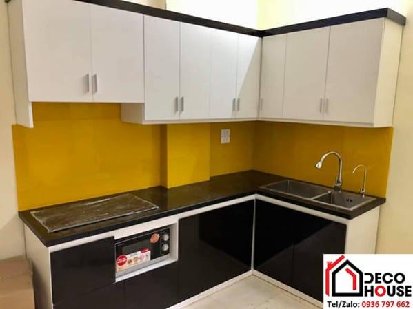 Kính bếp màu vàng thư