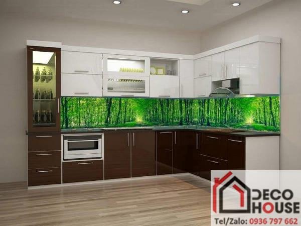 Kính ốp bếp 3D rừng cây xanh
