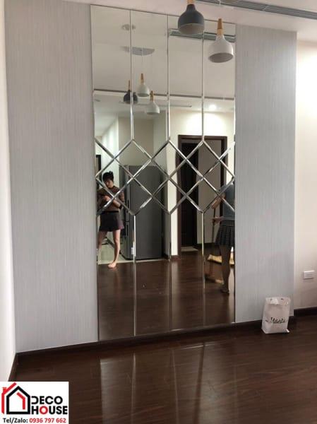 Gương ghép trang trí căn hộ chung cư Hà Nội