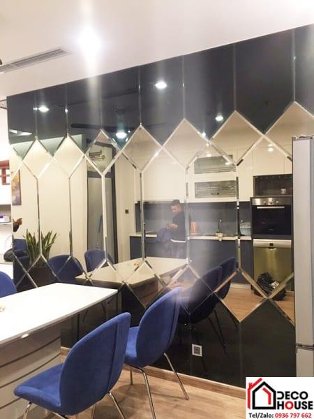 Mẫu gương ghép trang trí phòng bếp đẹp