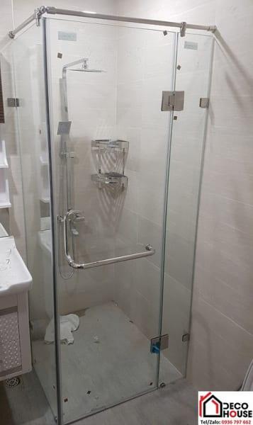 Lắp vách kính phòng tắm 90 độ tại Hoàng Mai