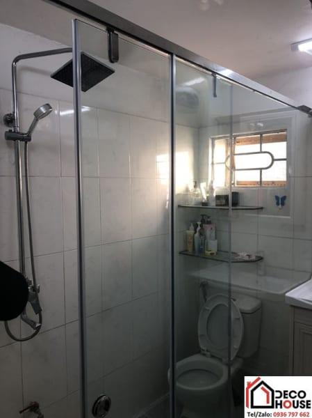 Vách tắm kính cửa lùa tại Thanh Xuân, Hà Nội