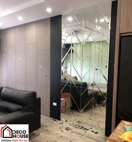Gương dán tường trang trí phòng khách
