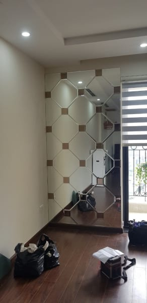 Gương ghép dán tường trang trí phòng khách