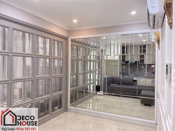 Gương ghép ô dán tường phòng khách