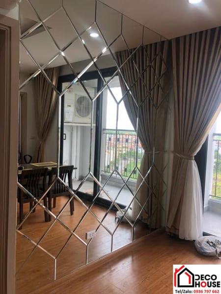 Gương ghép trang trí phòng khách