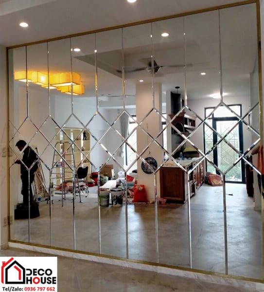 Gương ốp trang trí phòng khách