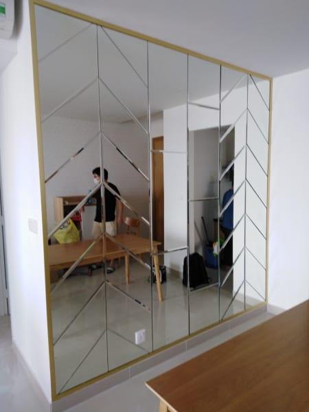 Gương trang trí dán tường kiểu xương cá
