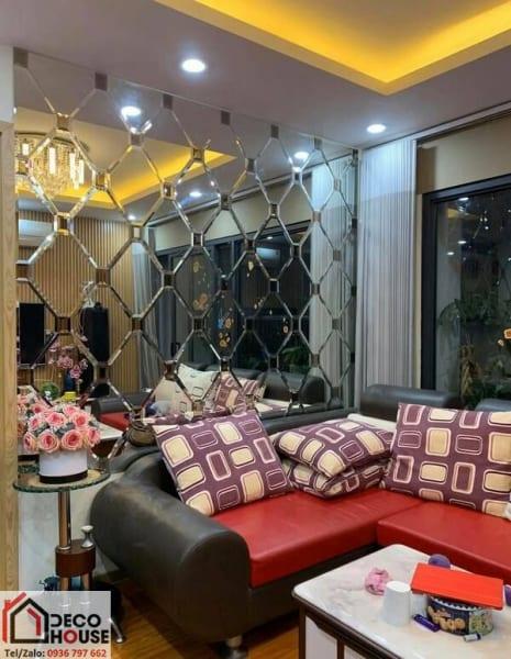 Mẫu gương ốp tường trang trí phòng khách