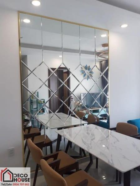 Mẫu gương trang trí phòng ăn sang trọng