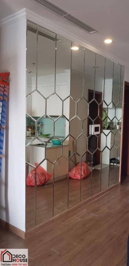 Thi công gương ghép trang trí dán tường tại Hà Nội