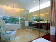 Lắp phòng tắm kính giá bao nhiêu tại Hà Nội?